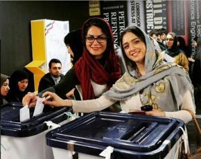 «به روحانی رای می دهم، چون گران شدن ساعت به ساعت ارز را به یاد دارم»!/ یادداشت ترانه علیدوستی، هنگام ترغیب مردم ایران به رای داد