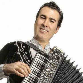 خواننده آذربایجانی: «چون دیدم صدای سحرانگیز تاتلیس از رسانه ملی (پایتخت 5) پخش شد، دروغ سیزده را [آمدن او به کنسرتم] عنوان کردم»